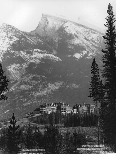 Banff Springs Hotel, AB, 1904 | by Musée McCord Museum