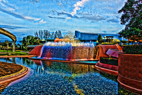 Reverse Waterfall at EPCOT | by hz536n/George Thomas