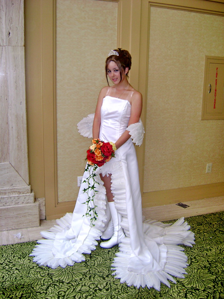 Yunas Wedding Dress Photo Of Yunacosplayer In Her Weddi Flickr