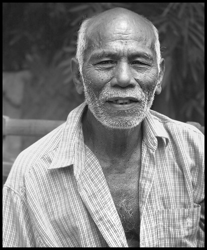 Old Man in Philippines - short essay | by earlb.com