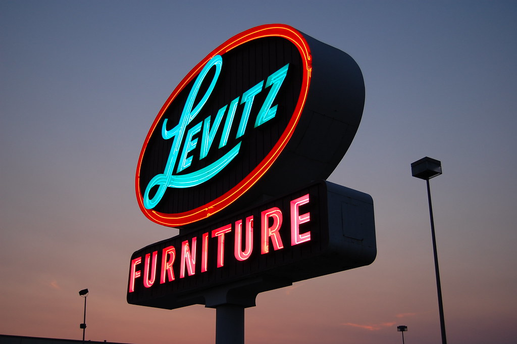 Delicieux ... 20080622 Levitz Furniture | By Tom Spaulding