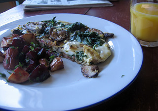 sunday morning breakfast, eggs and taters | by Jess | Sweet Amandine