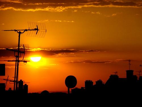 Coucher du soleil sur les toits de paris cette cr ati flickr - Coucher de soleil sur paris ...