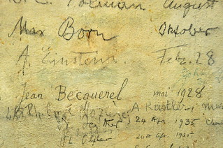 Signatures of famous physicists at the Huygens Laboratory: Max Born and Albert Einstein | by Michiel2005