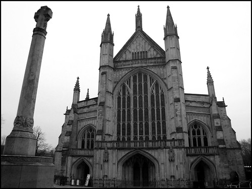 Winchester Cathedral & War Memorial | by Mrs Airwolfhound
