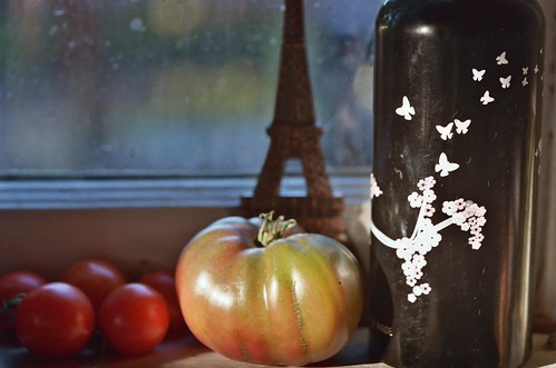 still life with tomatoes and sigg bottle | by cafemama