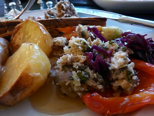 Roast potatoes and stuffing vegetarian christmas lunch for Vegetarian christmas stuffing