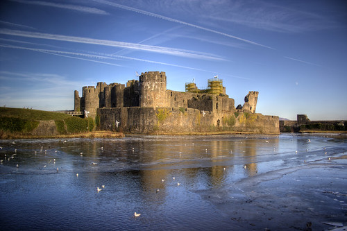 Caerphilly Castle and frozen moat | by fillbee