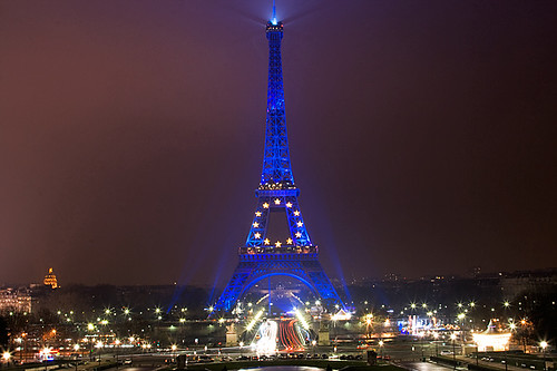 Eiffel Tower at Christmas | Eiffel Tower at Christmas (2008)… | Flickr