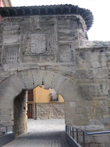 Puerta del revellin logro o la puerta del revell n o for Puerta 4 del jockey