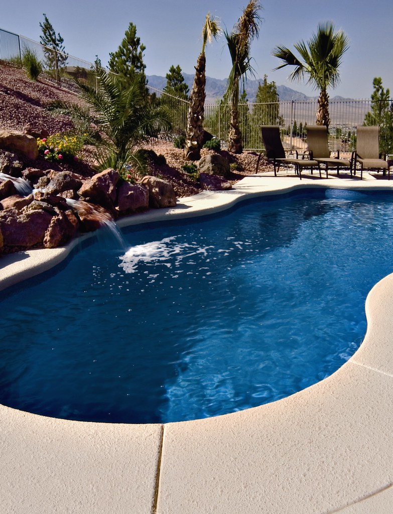 Paradise design super store st george ut fiberglass for Pool design utah