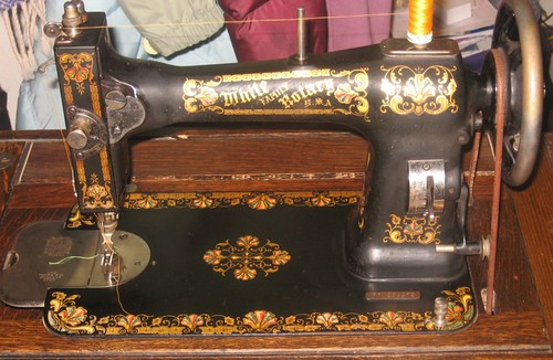 My great grandma's sewing machine | by cmtigger1