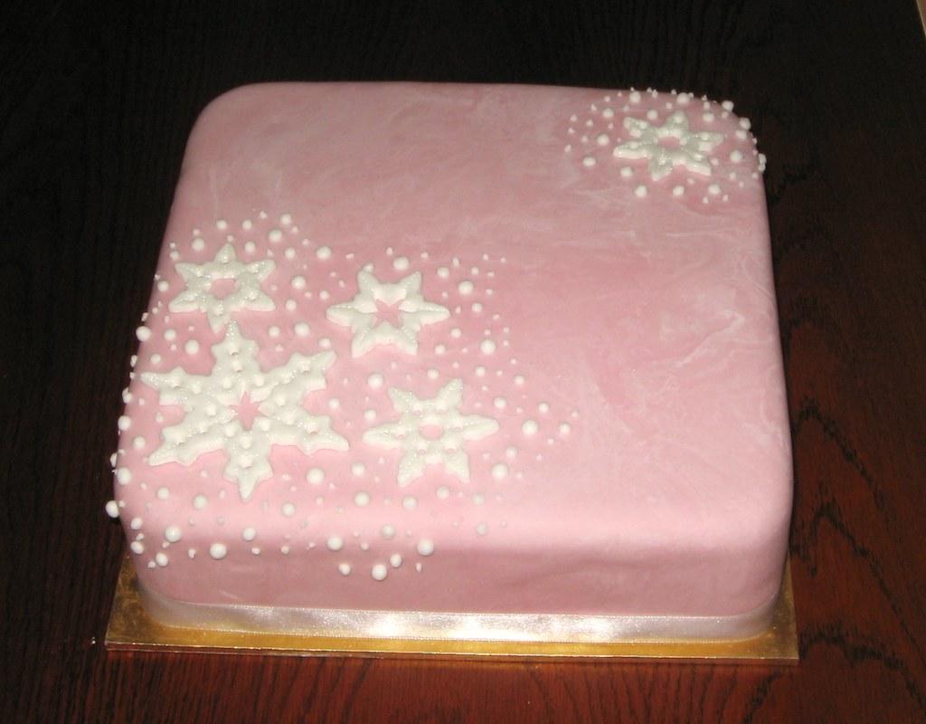 Pink snowflake Christmas cake | rich fruit cake, marshmallow… | Flickr
