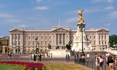 London - Buckingham Palace | by roger4336