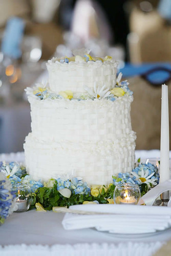 build a virtual wedding cake wedding cake white wedding cake surrounded by flowers 12210
