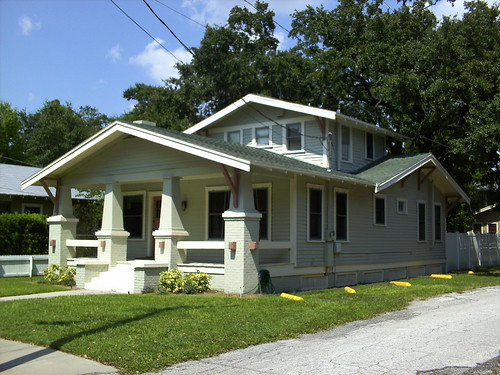 Beautiful classic airplane bungalow in tampa digital for Airplane bungalow house plans