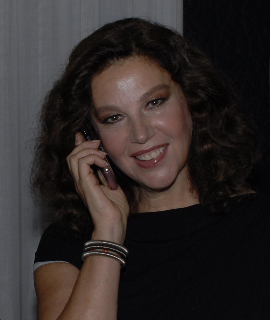 Chloe Annett (born 1971)