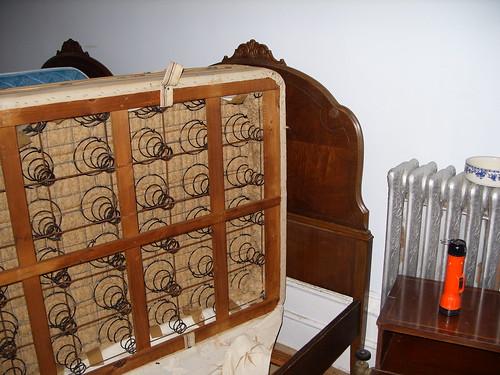 Box Frame Bed Full