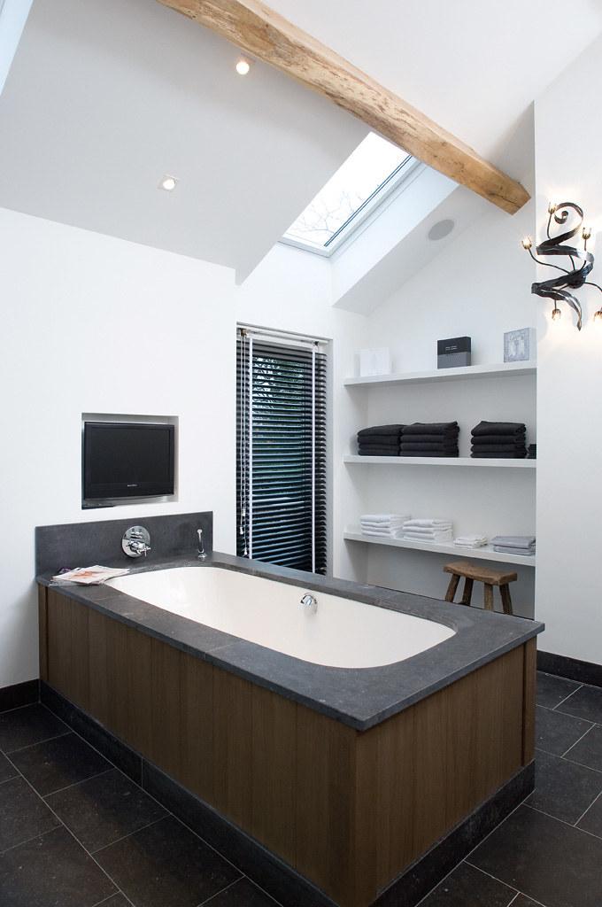 Hansa aluminium jaloezieen 50mm met ladderband in badkamer…   Flickr