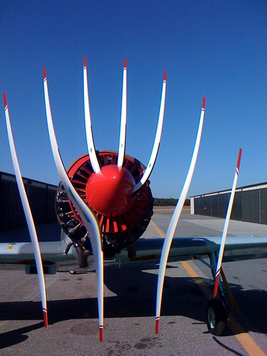 Airplane Prop + CMOS Rolling Shutter = WTF | by sorenragsdale