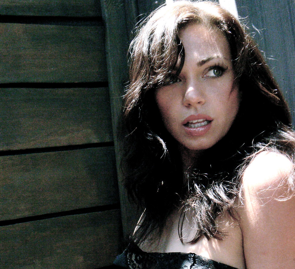 Lara Doucette Nude Photos 30