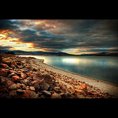 sunset at  Jindabyne lake | by Valpopando