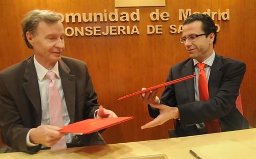 La comunidad y la universidad de denver firman un convenio for Convenio oficinas y despachos comunidad de madrid