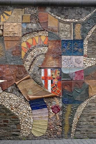 Stammbaum Der Stadt Cochem This Ceramic Piece By Artist
