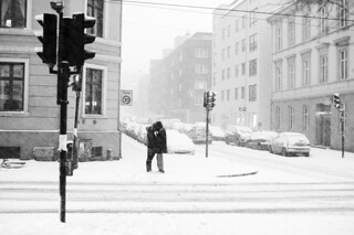 Kissing in the snow | by Thomas Marthinsen