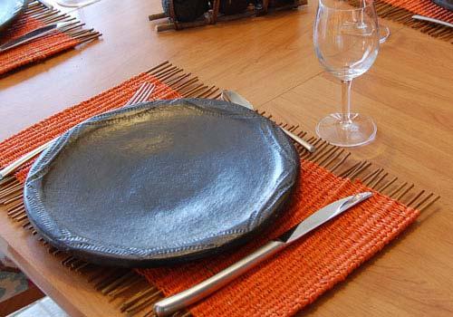 Set de table tress orange en raphia et foug res - Set de table tresse ...