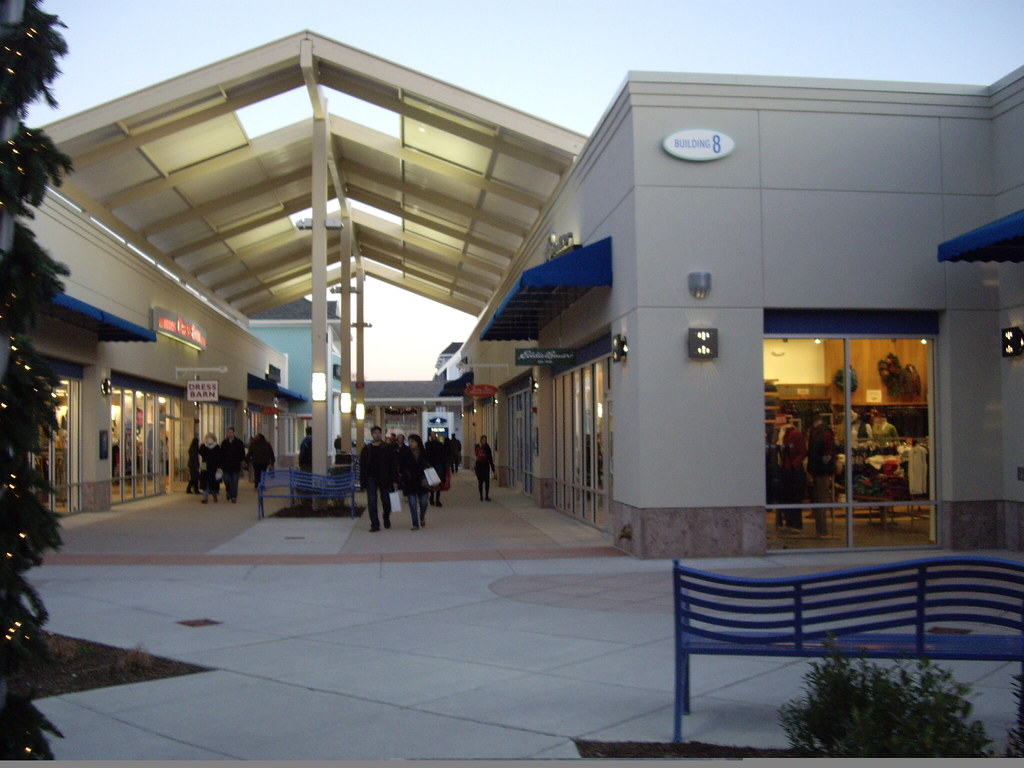 ... Jersey Shore Premium Outlets Awning | by LancerE