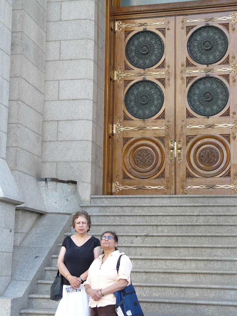 Mormon temple in front of solomans door prakashtendulkar flickr prakashtendulkar mormon temple in front of solomans door by prakashtendulkar rubansaba