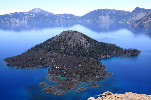 Wizard Island, Crater Lake | by andrewasmith