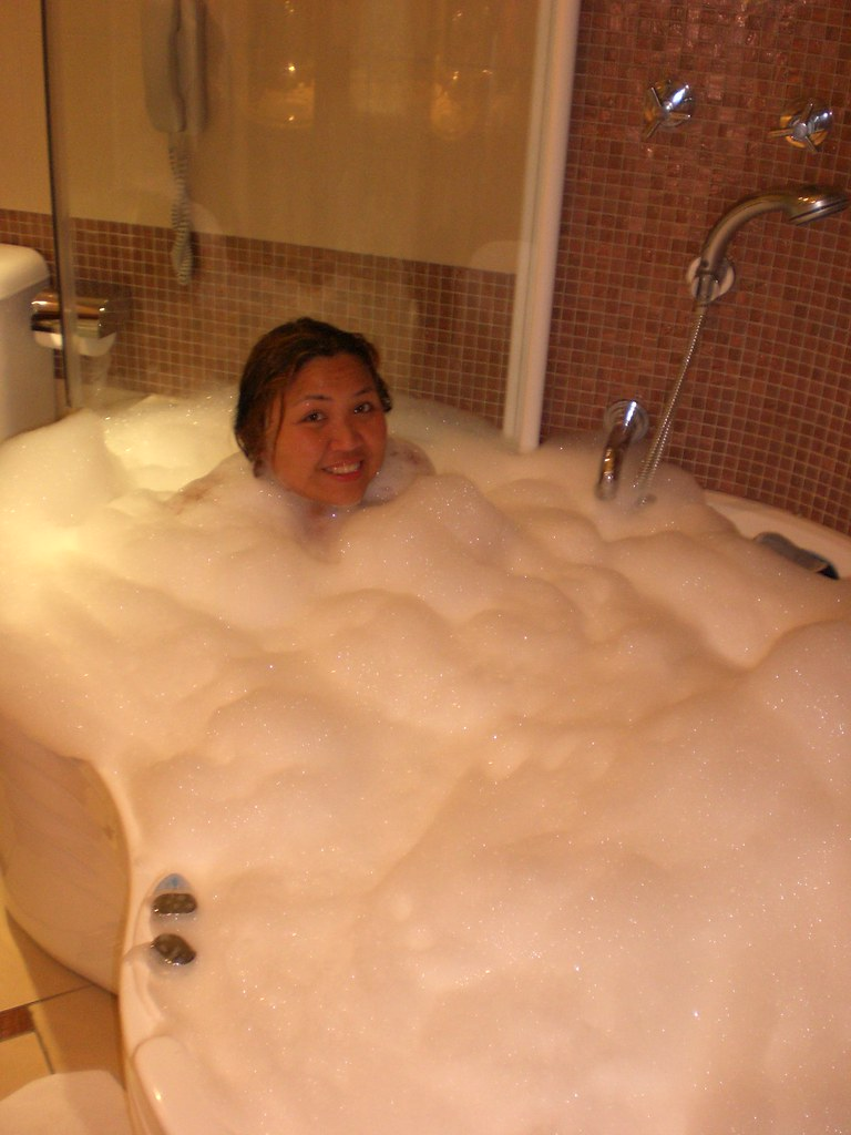 Taking a nice bubble bath jacuzzi after a hot sunny day | Flickr
