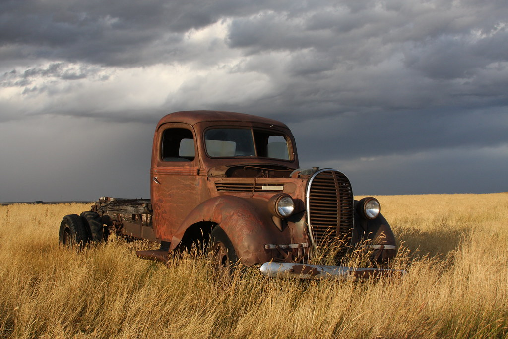 Rusty old 1939 Ford truck | Rusty old 1939 Ford truck in a f… | Flickr