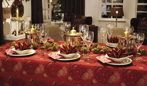 Decoraci n tradicional para la mesa de navidad idenav - Adornos navidenos de mesa ...