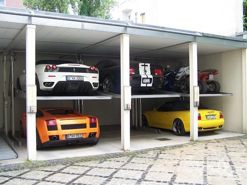 Garage kk royal basement die garage von kk royal for Garage ford auch