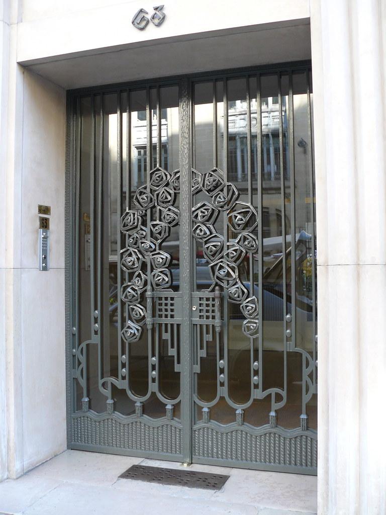 Extrêmement Paris, boulevard Raspail: porte d'immeuble en fer forgé. | Flickr PP27