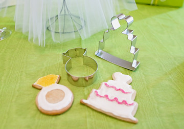 bridal shower cookie cutters by shoppemom