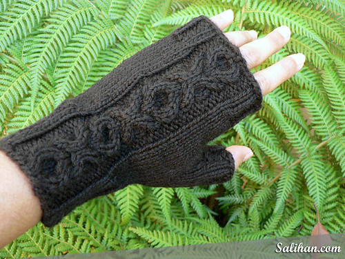 XO Gloves | by :Salihan