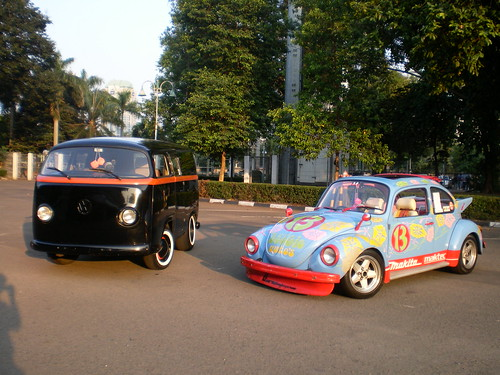 Volkswagen Bus and Beetle | by Wibawanto Agung