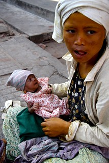A Young Mother Begging In Yangon | by El-Branden Brazil
