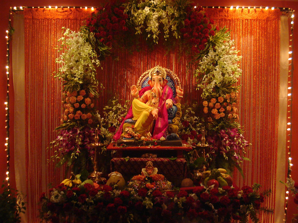 Ganesh Idol | Ganpati Bappa ! Idol of lord Ganesh and nice f… | Flickr for Flower Decoration Ideas For Ganpati  555kxo