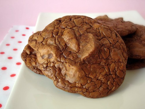 Outrageous chocolate cookies | by Patricia Scarpin