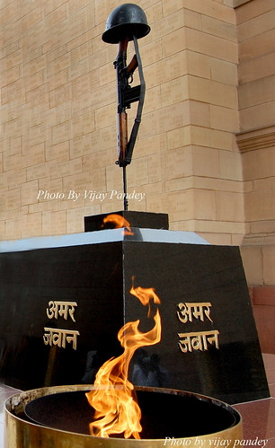 Amar Jawan Jyoti @ India Gate. The India Gate is a war memorial in New Delhi commemorating the Indian dead of the First World War. The India Gate today also houses the Indian Army's Tomb of the Unknown Soldier, the Amar Jawan Jyoti. | by vijay pandey9
