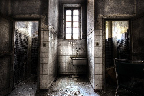 Psychiatric hospital #7 - In vain I try to wash away my sins | by ilcorvaccio