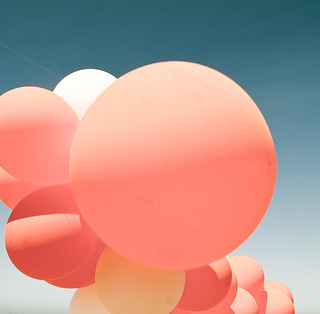 detail, balloons, ocean beach, san francisco | by harpy