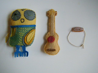 an owl, a guitar and a harmonica | by knitalatte11