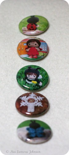 vertical column of buttons of my dolls | by *mia*