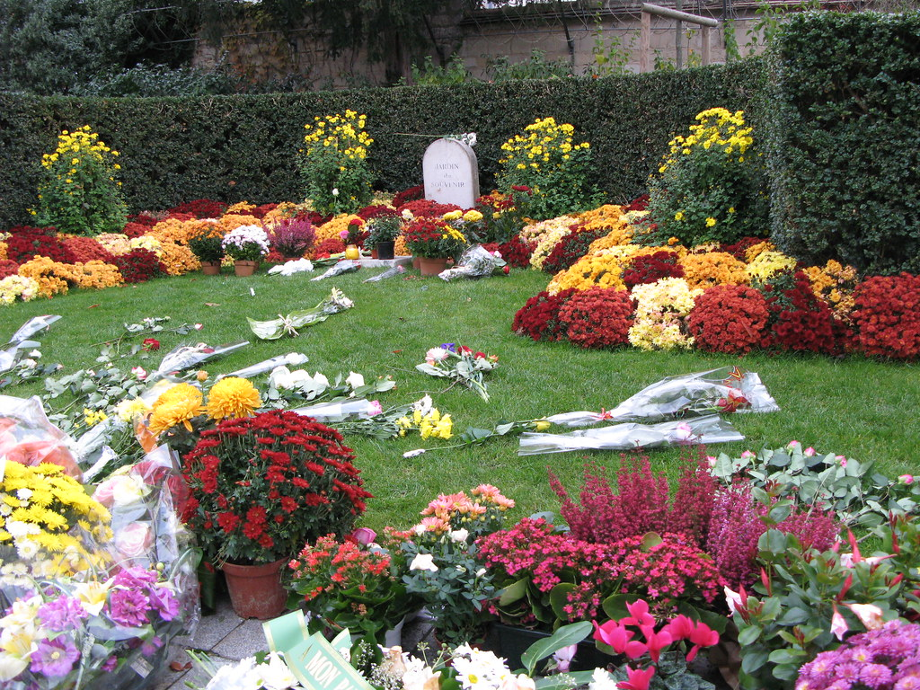 pre lachaise le jardin du souvenir by kay harpa - Jardin Du Souvenir